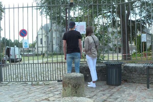 Le lycée Saint-Vincent à Senlis dans l'Oise est le premier établissement de l'académie d'Amiens à fermer ses portes suite à des cas de Covid-19