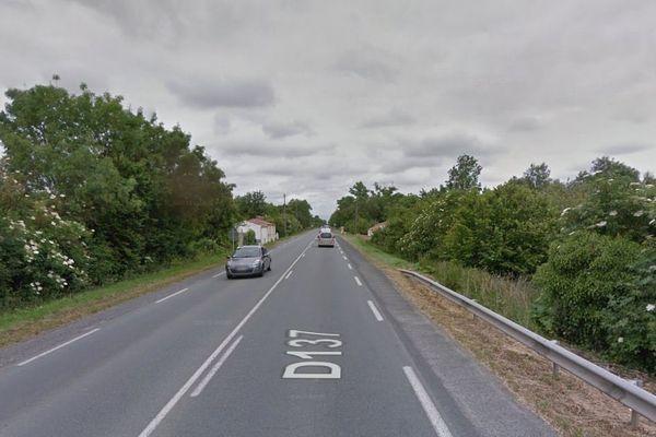 La Départementale 137 à proximité de la commune d'Andilly, en Charente-Maritime