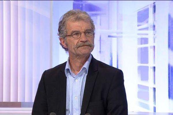 Hubert Wulfranc, maire de St Etienne du Rouvray sur le plateau du 19/20 Normandie.