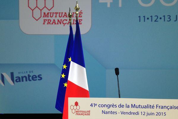 Après son discours à Nantes, le Président de la République a pris la direction d'Angers.
