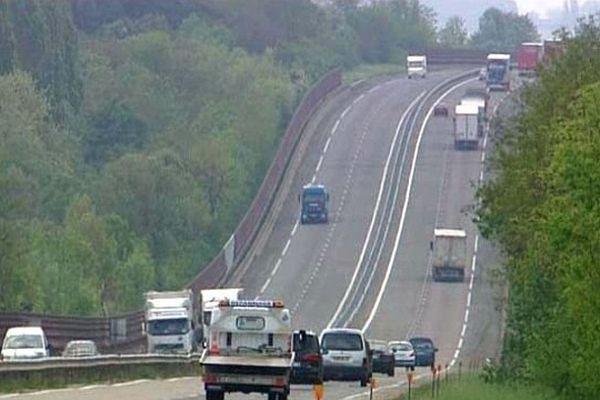 La RCEA (Route Centre Europe Atlantique) traverse le département de Saône-et-Loire.