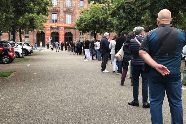 Les candidats se sont rués au centre de vaccination de la Bourse à Strasbourg le 14 juillet.