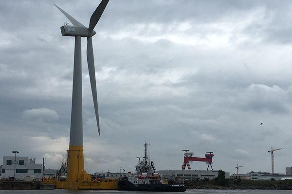 L'éolienne Floatgen a quitté le port de Saint-Nazaire le 29  avril 2018 pour rejoindre le site expérimental du Croisic