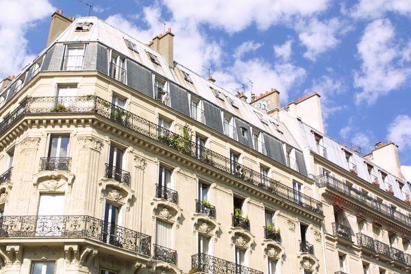 Au mois d'août, le prix moyen du mètre carré à Paris a franchi le seuil des 10.000 euros, pour atteindre 10.190 euros.