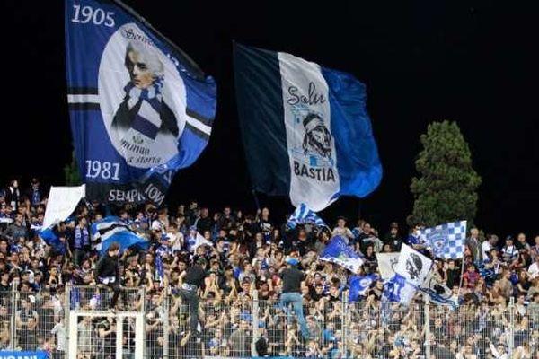 ARCHIVES - Supporters du SC Bastia, tribune Est du stade de Furiani