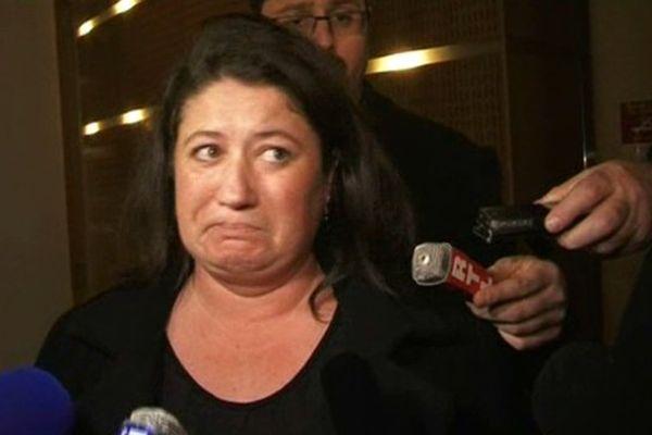 La maman de Charlotte, en larmes, après le jugement du meurtrier de sa fille. Les parents vont faire appel.