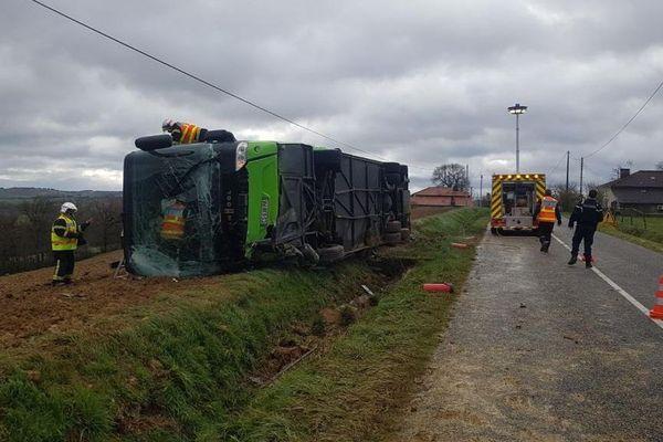 Un car transportant 44 élèves s'est renversé sur la commune de Tournan (Gers)