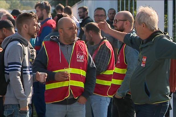 80 salariés environ ont bloqué une partie de la journée le site GE de Bourogne dans le Territoire de Belfort.