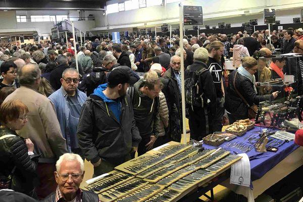 Le festival du couteau d'art et de tradition de Thiers (Puy-de-Dôme) attire chaque année des milliers de visiteurs. Florent Pagny est le parrain de la 29ème édition les 18 et 19 mai 2019.
