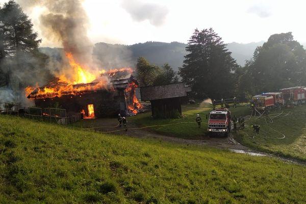 35 pompiers ont été mobilisés pour venir à bout de l'incendie.