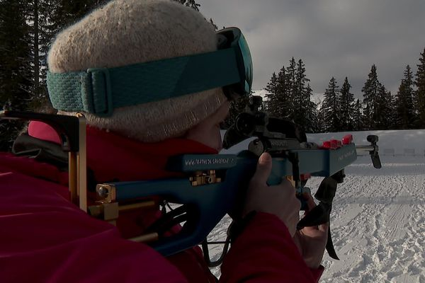 Des initiations au biathlon sont proposées chaque année à la station Méribel 3 Vallées