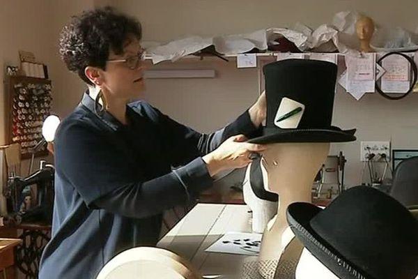 Isabelle Grange, la chapelière-modiste du musée du chapeau de Chazelles-sur-Lyon