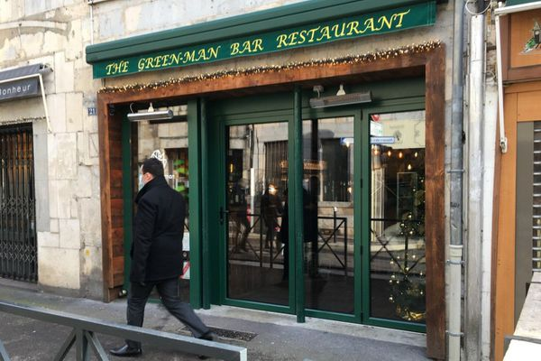 Dans ce bar restaurant de Besançon, les pertes financières sont d'environ 40 000 euros pour chaque mois de fermeture.