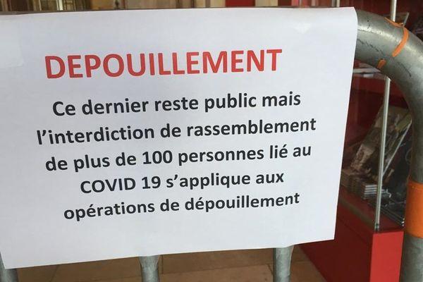 Affiche informative concernant les mesures de sécurité pour lutter contre le Covid 19 pendant les municipales 2020
