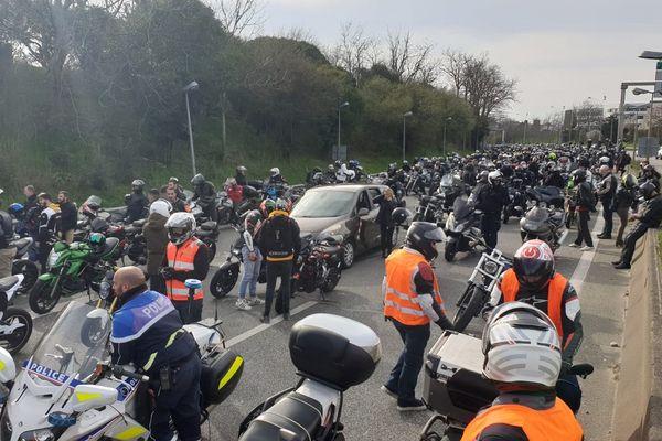Les motards ont décidé de bloquer la circulation sur le périphérique de Toulouse.
