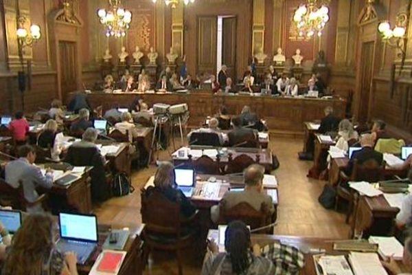 Le Conseil Municipal de Bordeaux (archives)
