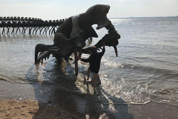 Jamais gueule de monstre n'a attiré autant de monde que celle du Serpent d'Océan. Merci Huang Yong Ping !