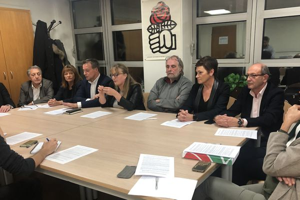 """Lundi 2 décembre, 14 membres du groupe """"Socialistes et Apparentés"""" au Conseil départemental du Puy-de-Dôme ont annoncé quitter la majorité à l'assemblée, lors d'une conférence de presse."""