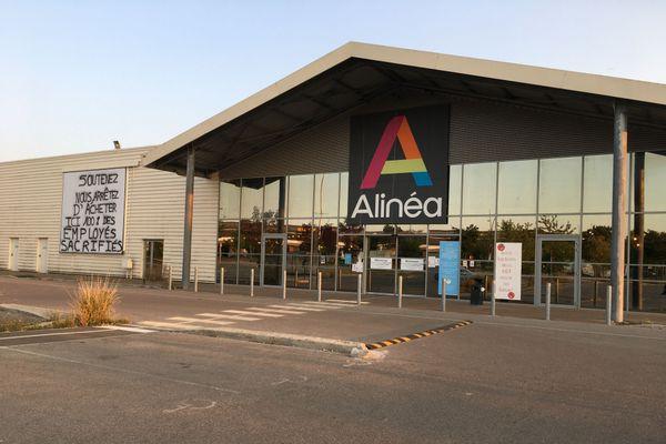 Le magasin d'ameublement Alinéa de Saint-Parres-aux-Tertres (Aube) a fermé ses portes ce samedi 12 septembre