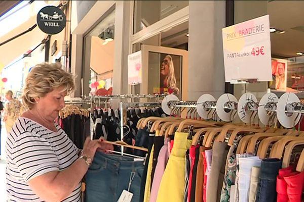La grande braderie de Nice : des prix cassés jusqu'à samedi dans tous les quartiers