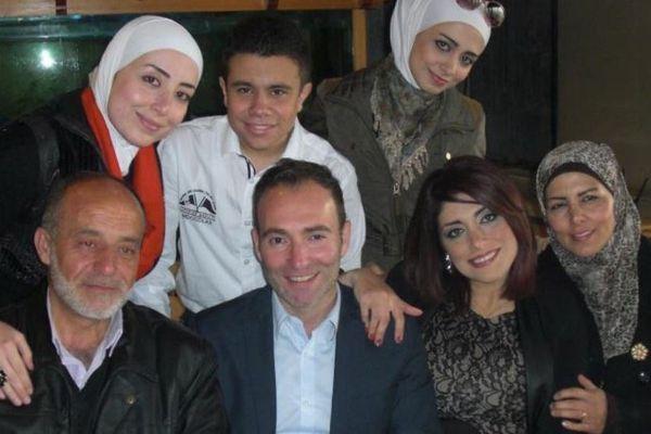 Stéphan Pélissier en compagnie de son épouse Mouzayan et de sa belle famille