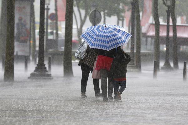 Des orages et des averses de grêle sont attendus dès lundi 16 juillet en fin de matinée en Auvergne-Rhône-Alpes