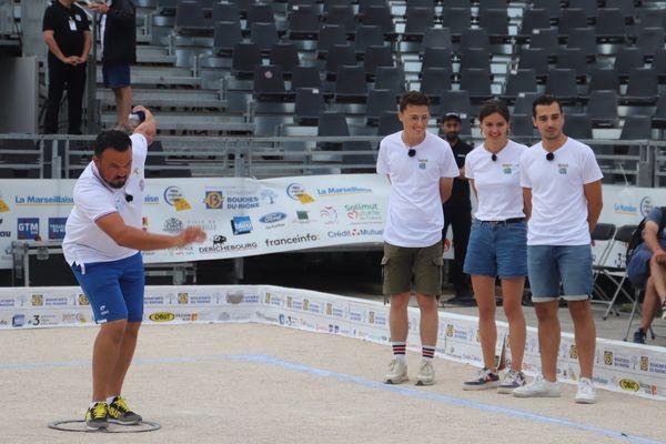 La triplette Puccinelli a emporté sa première partie 13-2 ce diamche matin en ouverture de la 60e édition du Mondial la Marseillaise à pétanque.