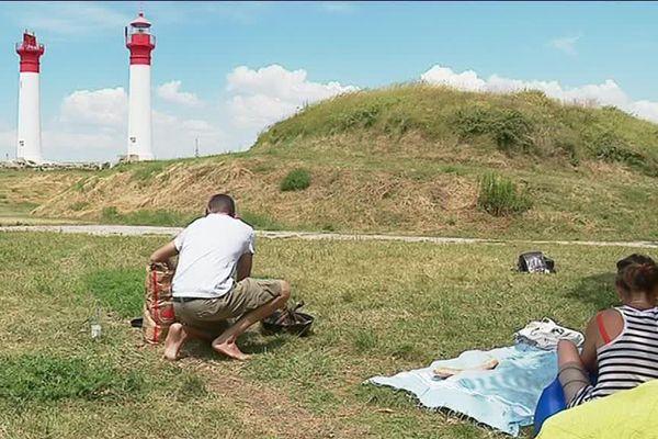 Camping et pique-nique face aux phares de l'île d'Aix.