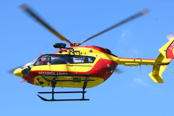 L'adolescent de 16 ans a été transporté par l'hélicoptère de la Sécurité civile. Photo d'illustration.