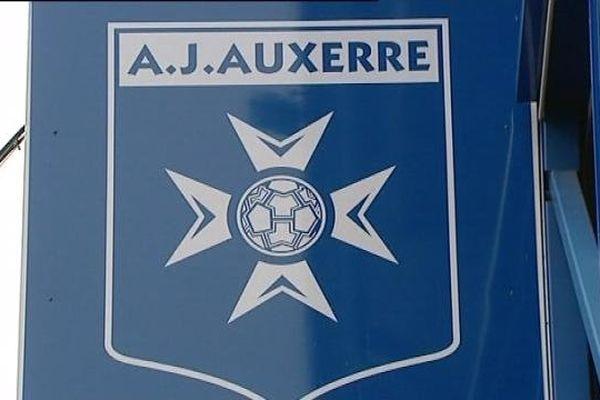 L'écusson de l'AJA au stade de l'Abbé Deschamps à Auxerre