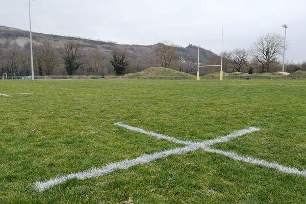 Les championnats amateurs de rugby ne reprendront pas. La Fédération française de rugby l'a annoncé vendredi 26 février. Loin d'être une surprise pour les clubs et pourtant, c'est un coup de massue. Réactions dans le Puy-de-Dôme.