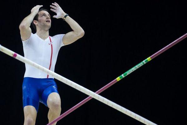 Renaud Lavillenie a échoué ses trois tentatives à 5,93 m lors du meeting de Berlin. Il finit 2e derrière le Brésilien Thiago Braz da Silva.
