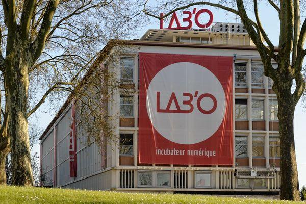Beaucoup d'innovations techniques à découvrir au LAB'O, incubateur numérique à Orléans.