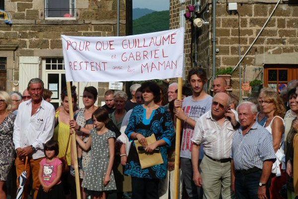 Le 23 juin 2017, un rassemblement de soutien a été organisé à Langeac (Haute-Loire) pour qu'Aude Torrent garde ses jumeaux.