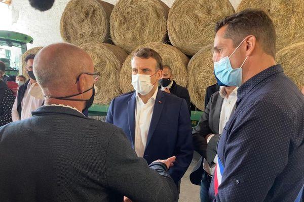 Emmanuel Macron à la rencontre des agriculteurs de montagne à Sainte-Marie de Campan
