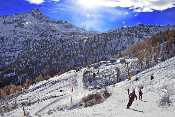 Les stations de ski de la Vallée d'Aoste (Italie), dont celle de la Thuile, vont fermer dès lundi.