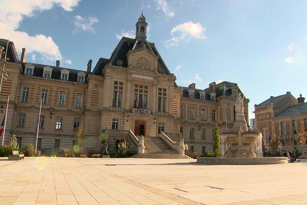 L'hôtel de ville d'Evreux  (Eure)