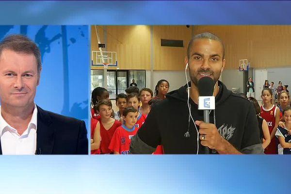 Le basketteur Tony Parker répond aux question d'Emmanuel Faure, pour le 19/20 de France 3 Pays de la Loire.