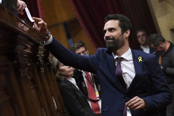 Roger Torrent, un indépendantiste, a été élu président du nouveau Parlement catalan mercredi 17 janvier 2018.