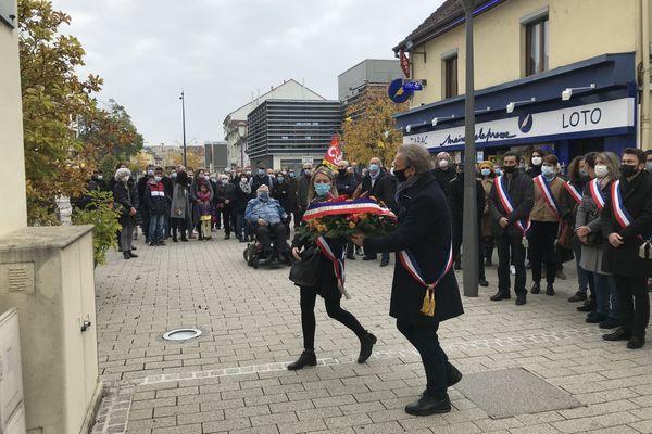 A Audincourt, une centaine de personnes ont rendu hommage à Samuel Paty.