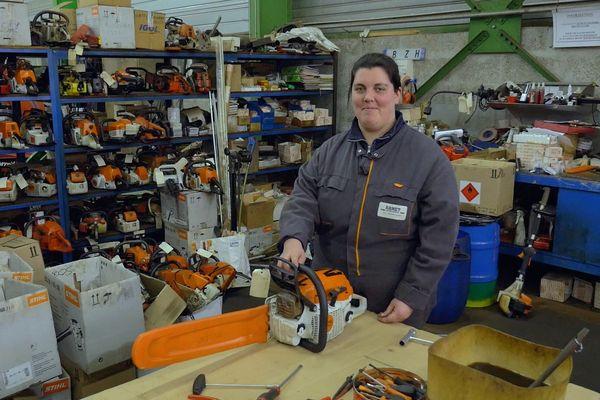 Les industries mécaniques prévoient de recruter 40 à 50 000 personnes par an d'ici 2020. Ces opportunités sont le résultat d'une vague massive de départs à la retraite. Cécilia Barrais à son poste.