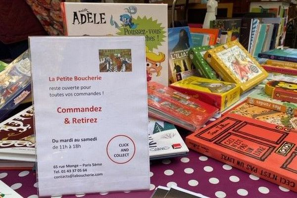 Des stands réservés aux librairies de quartier sur les marchés parisiens