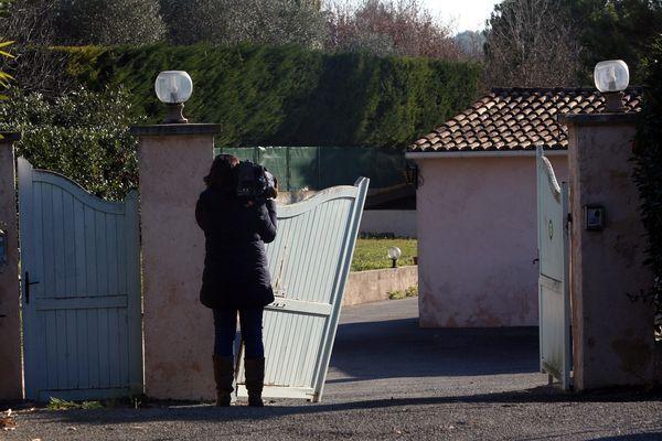 Parmi les suspects entendus par les enquêteurs, cinq, âgés de 54 à 72 ans, sont soupçonnés d'avoir directement participé au braquage. Le plus âgé habite ici à Grasse.