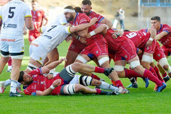 Béziers - Les joueurs de l'ASBH en rouge face à Mont de Marsan (image d'illustration).