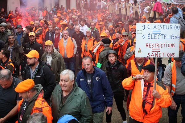 Manifestation des chasseurs pour le maintien des chasses traditionnelles à Mont-de-Marsan le 17 septembre 2021