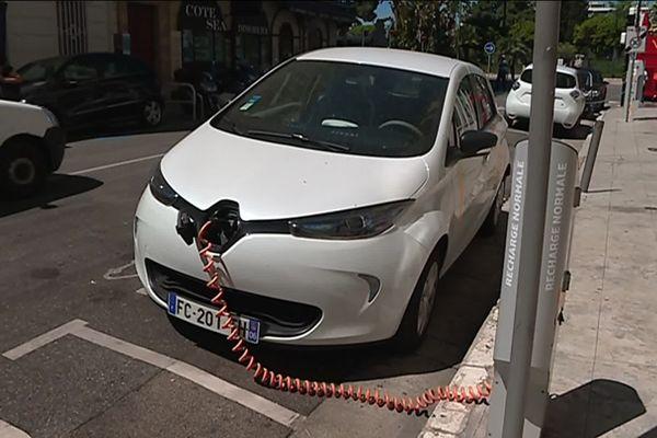 Les voitures en auto-partage moins nombreuses
