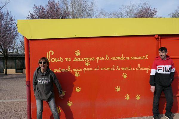 Valérie est la Présidente de la SPA de Montceau-les-Mines. Willy est éducateur canin.