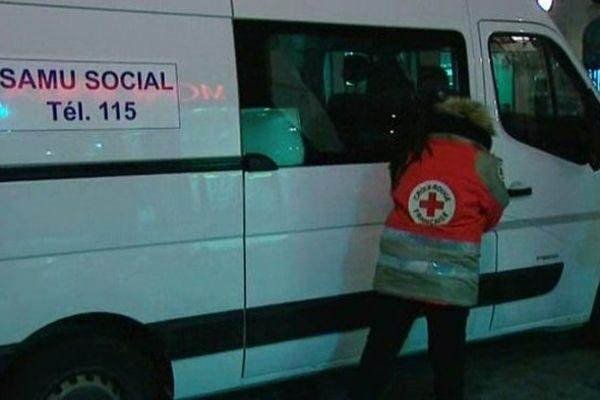 La Croix-Rouge fait sa maraude tous les soirs dans les rues d'Auxerre lorsque le plan grand froid est activé.