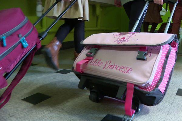 Trois des huit classes de l'école primaire de Balagny-sur-Thérain dans l'Oise ont été fermées après la découverte d'un cas de covid-19 chez une élève.