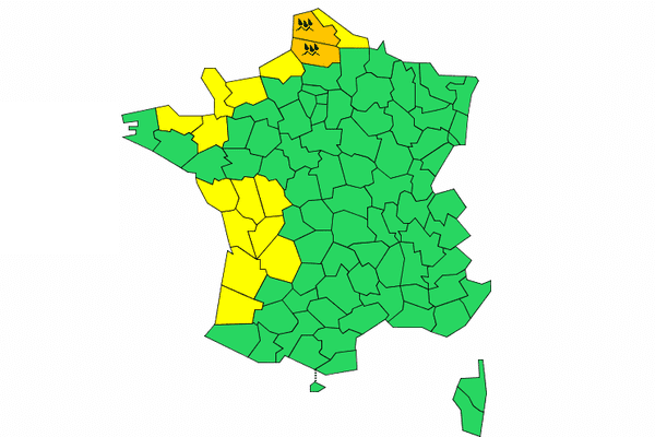 Météo France prévoit l'arrivée du phénomène à 16h00.